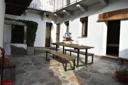 patio independent house with apartments for sale garden Vezzo Gignese Stresa real estate ellebi