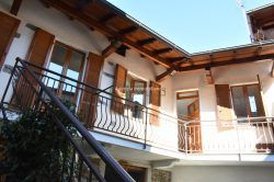 entrance court Stropino Alto vergante house with garage for sale lake Maggiore real estate Ellebi