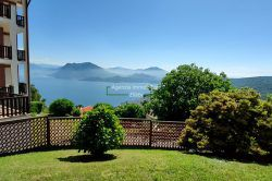 view bedroom 2-room apartment with lakeview in Stresa hills real estate Ellebi