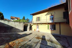 entrance apartment with garage for sale in Vezzo Gignese on Stresa hills real estate Ellebi