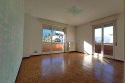 livingroom Three-room apartment for sale in Baveno center real estate ellebi