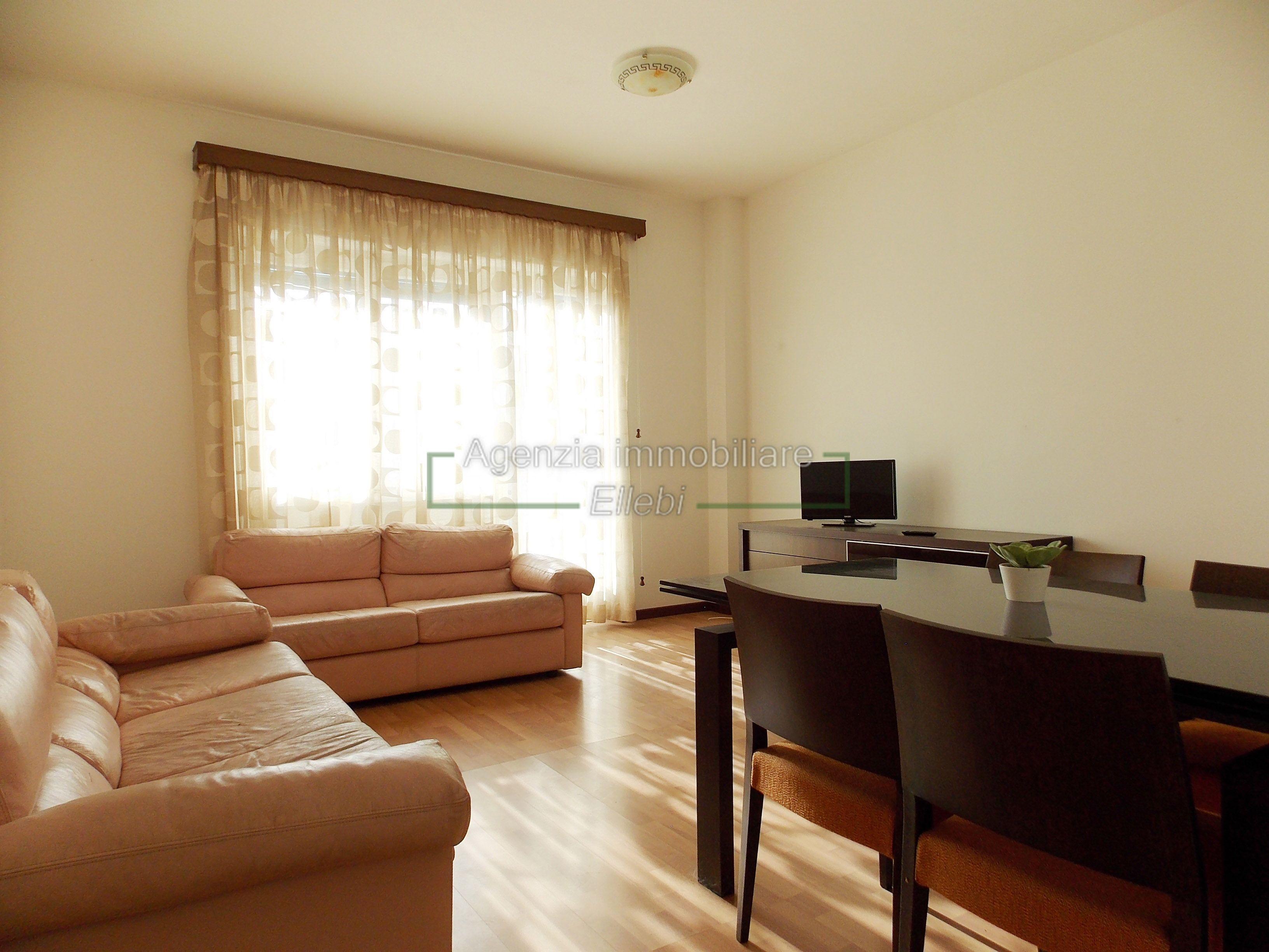 soggiorno appartamento Baveno vendita Agenzia immobiliare Ellebi