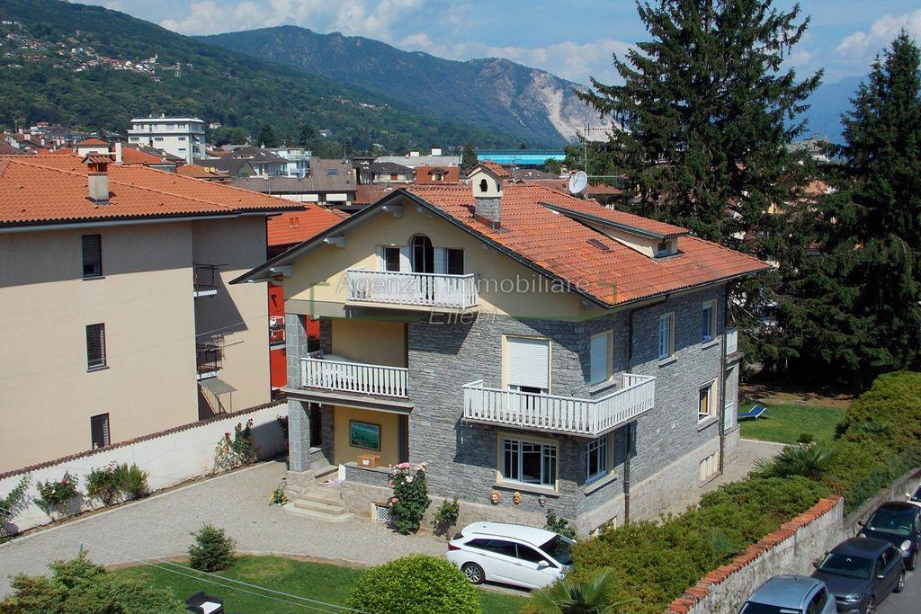 esterno villa giardino centro stresa vendita lago maggiore Agenzia immobiliare Ellebi