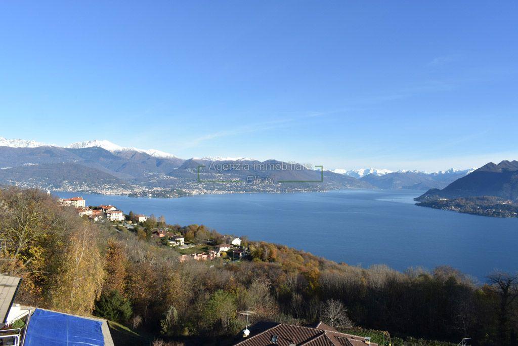 vista balcone cucina attico vista lago terrazzo vendita magognino stresa agenzia immobiliare ellebi