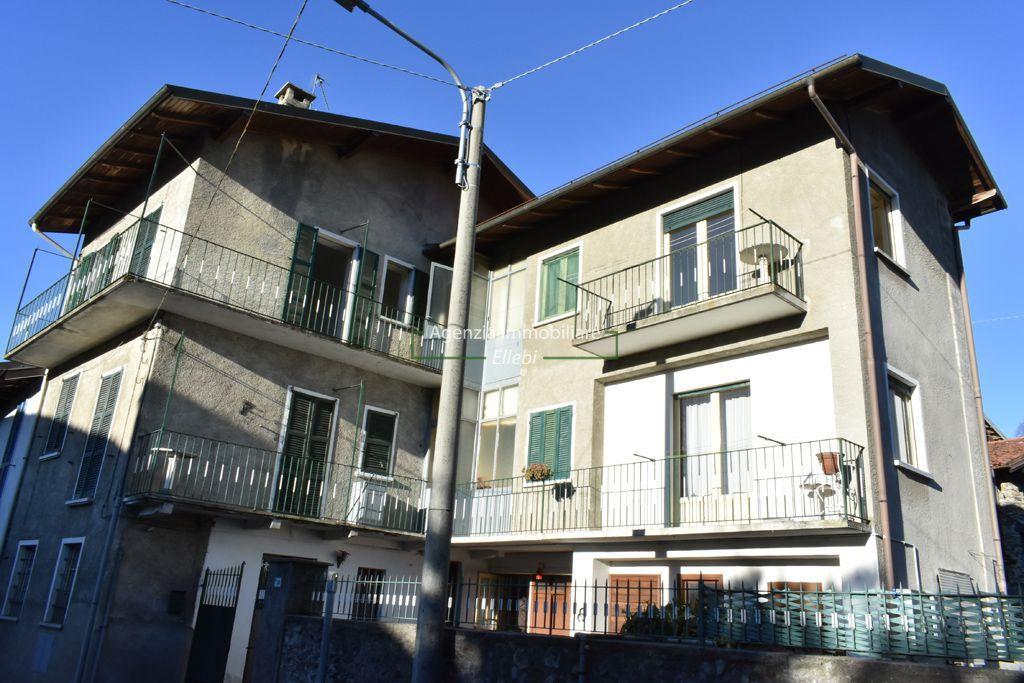 ingresso casa indipendente appartamenti in vendita a Carpugnino Alto vergante, Agenzia immobiliare Ellebi