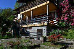 ingresso vendita trilocale terrazzo vista lago Carcioni Belgirate agenzia immobiliare ellebi