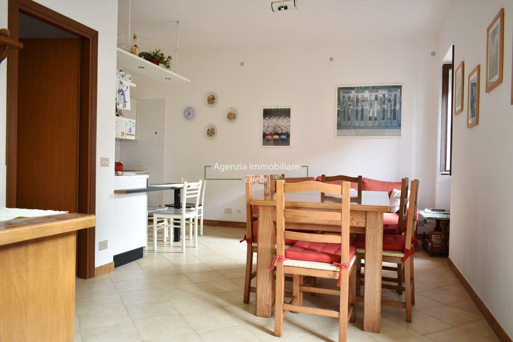 soggiorno bilocale con garage Gignese Stresa vendita agenzia immobiliare ellebi