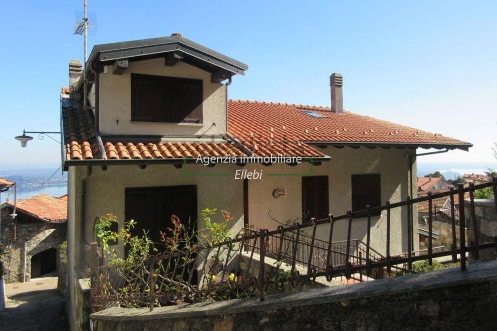 esterno porzione di casa Massino visconti agenzia immobiliare