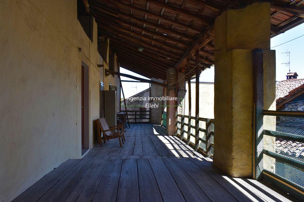 terrazzo rustico casale alture di Stresa vendita agenzia immobiliare Ellebi