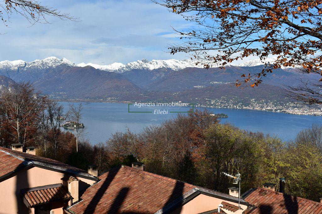 parco vista lago soggiorno appartamento prestigioso a Stresa Brisino residence Motta del santo vendita agenzia immobiliare ellebi