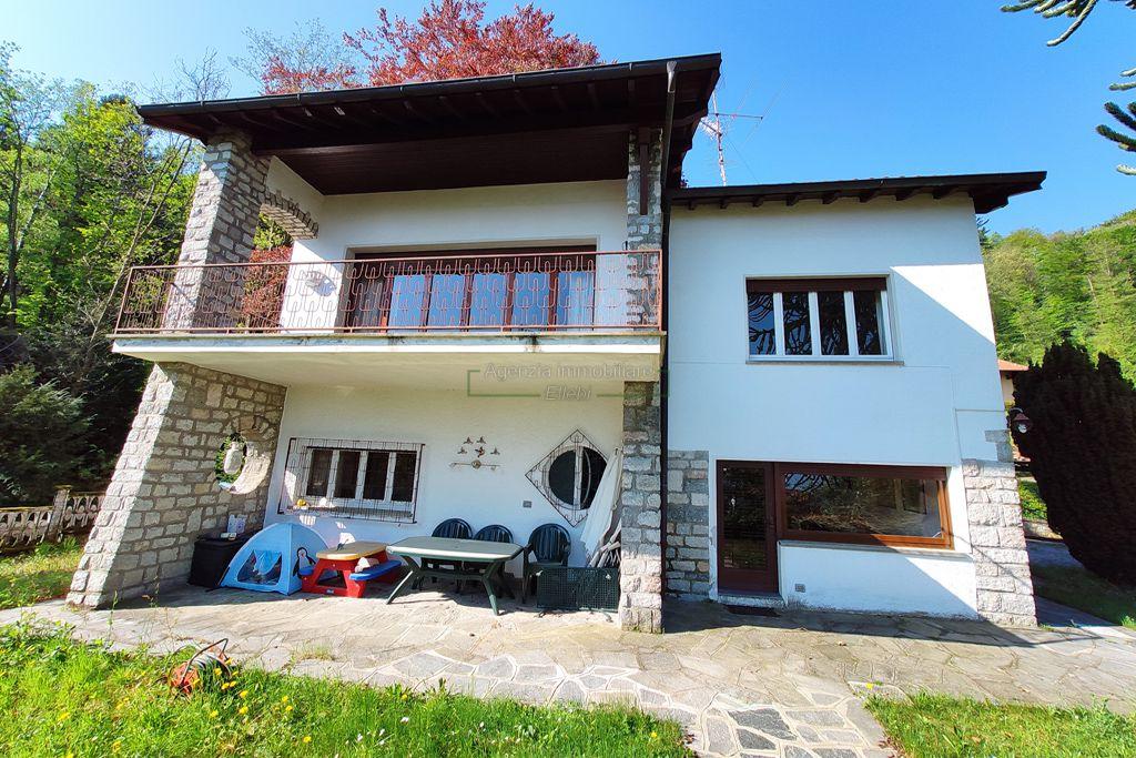 giardino villa privata in vendita a Stresa Magognino vista lago agenzia immobiliare ellebi