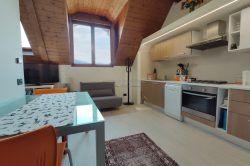 bilocale mansarda in vendita Stresa centro vendita agenzia immobiliare ellebi
