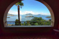 terrazzo monolocale vista lago Stresa Baveno vendesi agenzia immobiliare ellebi