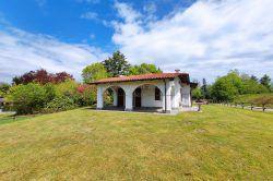 esterno villa indipendente nuova con giardino garage Vezzo Gignese Stresa Agenzia immobiliare Ellebi